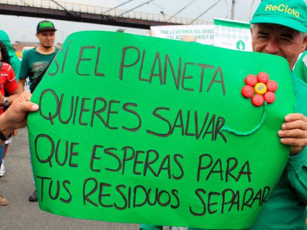 Cartel salvar el planeta, recuperadores Asemar